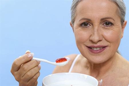 Как правильно питаться, чтобы отсрочить старение