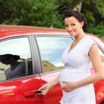 Беременная за рулем: плюсы и минусы