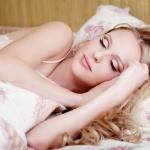 Сколько нужно  спать летом