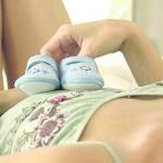 Почему случается выкидыш на ранних сроках беременности