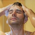 Как мужчине ухаживать за волосами: летние советы