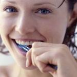 Изобретена «умная» зубная щетка