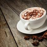 Медики рекомендуют пожилым людям пить какао