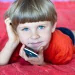 Телевизор делает ребенка неуверенным в себе неврастеником