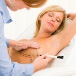 Грудные имплантаты: стоит ли опасаться рака