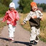 Как одевать ребенка осенью: советы