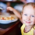 Разрешите малышам хулиганить за столом