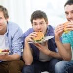 Какие привычки мешают мужчинам похудеть