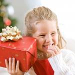 Какие игрушки можно подарить ребенку на Новый год