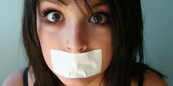 почему плохой запах изо рта