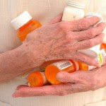 Как принимать лекарство человеку в возрасте