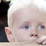 Если ребенок боится посторонних