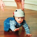 Учим малыша ползать (видео)