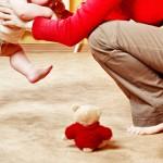 Как малыш учится ходить