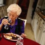 Питание в пожилом возрасте: каким оно должно быть