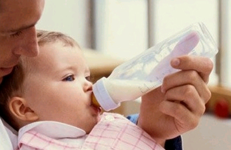Бутылочки и кариес: есть ли связь?