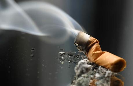 Врачам в США запретили пахнуть табачным дымом