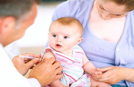 Вакцинация маленьких детей