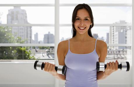 Какие упражнения подтянут вашу грудь