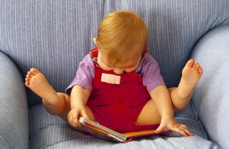 Когда ребенка надо начинать учить читать