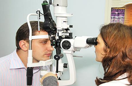 В Черкассах офтальмологи из США бесплатно проверят зрение