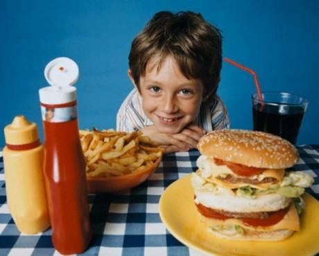 Чтобы расти здоровыми, детям просто необходимо сбалансированое питание