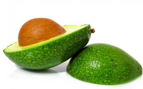 Авокадо может обеспечить кожу комплексом витаминов группы В