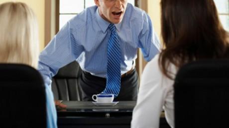 Грубость начальника угрожает браку подчиненного