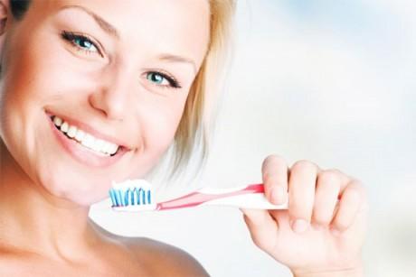 Как ухаживать за чувствительными зубами?