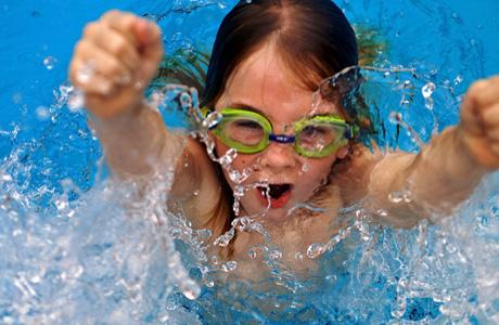 Плавание признано самым лучшим видом спорта при сколиозе