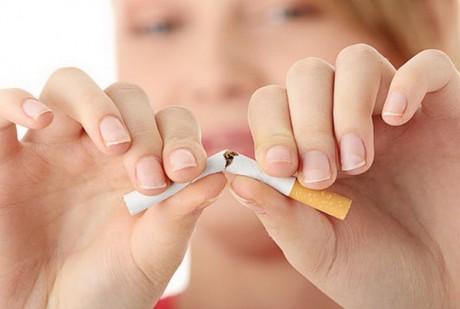 Простить женщине сигарету нельзя