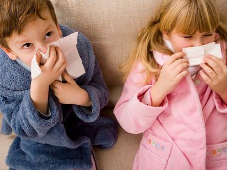 Почему у детей появляются аденоиды