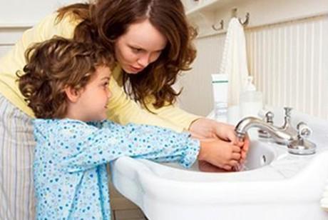 Ребенок должен достаточно часто мыть руки