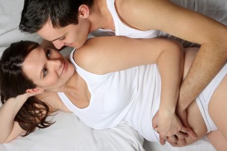 """Секс во время беременности: """"за"""" и """"против"""""""