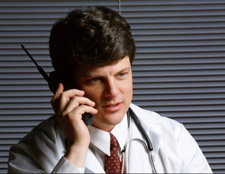 Ваш врач должен быть доступен по телефону