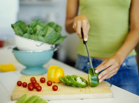 Задержку провоцирует низкожировая диета