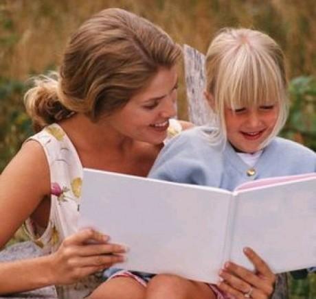 Расскажите дочке, как следует себя вести в обществе