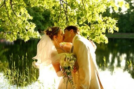 Летнее время станет отличным периодом для того, чтобы заключить брак