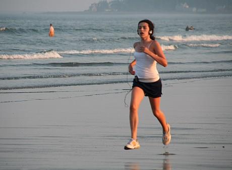 Ученые советуют прогулки заменять пробежками