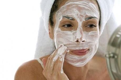 Как сделать домашний пилинг с учетом типа кожи