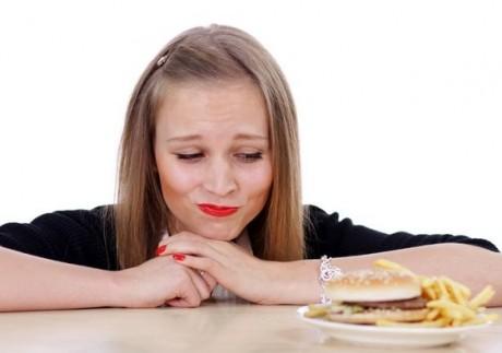 Почему вредно мучаться чувством вины, сидя на диете