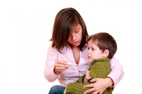Самые частые ошибки родителей при лечении ОРЗ у ребенка