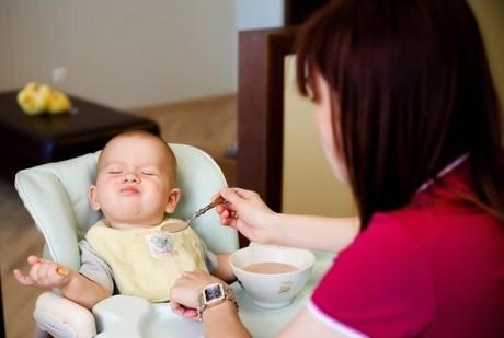Почему не всем женщинам удается кормить грудью ребенка до двух лет