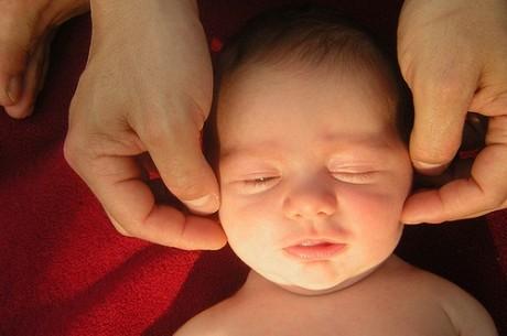 Рекомендована ли мануальная терапия детям