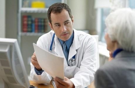 Британским физиотерапевтам запретили касаться пациентовй