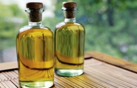 Масляные продукты по уходу за кожей и волосами