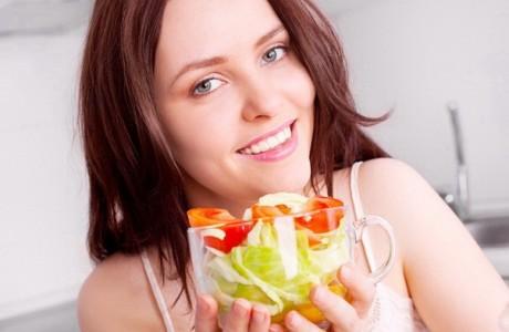 Как побороть прыщи диетой