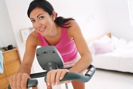 Домашний фитнес: как работать с проблемными зонами