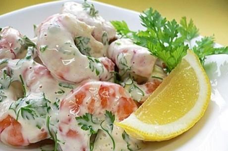 Легкий салат из морепродуктов