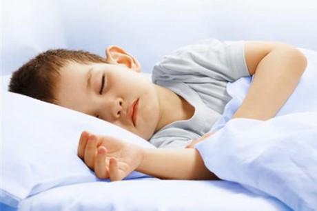 Руководство для родителей по ночному недержанию мочи у ребенка